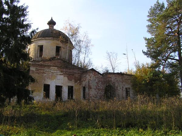 Краевед из Тверской области провел экскурсию из тракторной телеги
