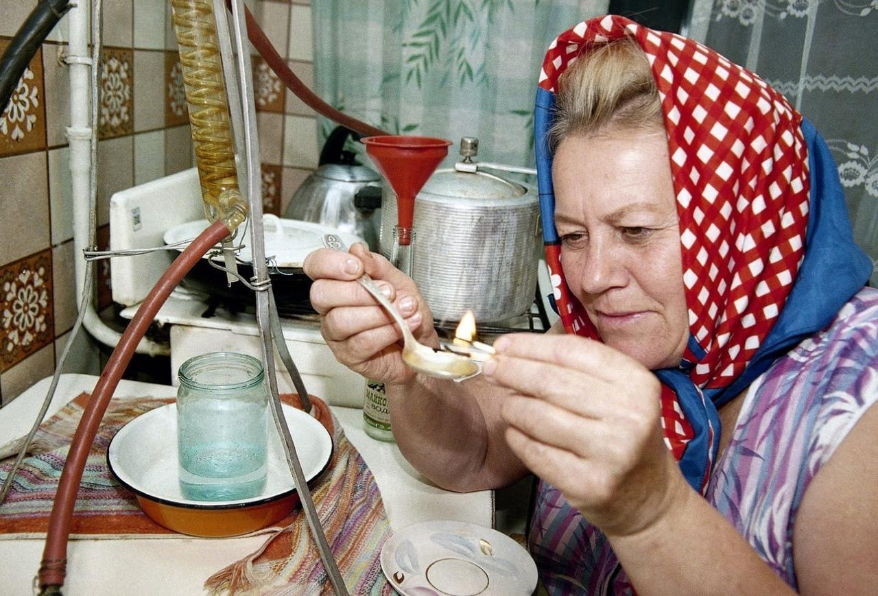 Жительницу Тверской области будут судить за торговлю алкоголем на дому