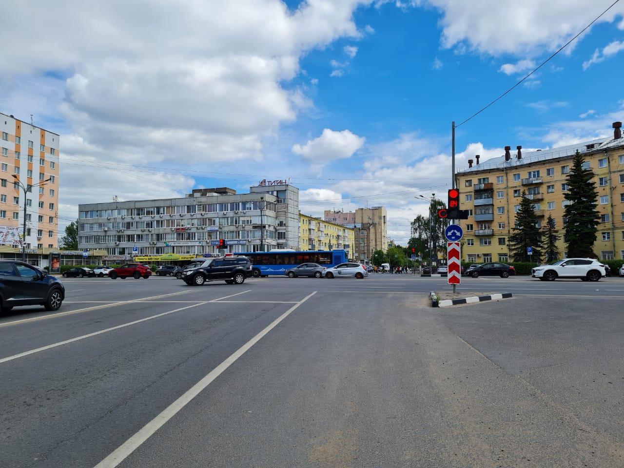 На площади Капошвара в Твери модернизировали светофоры
