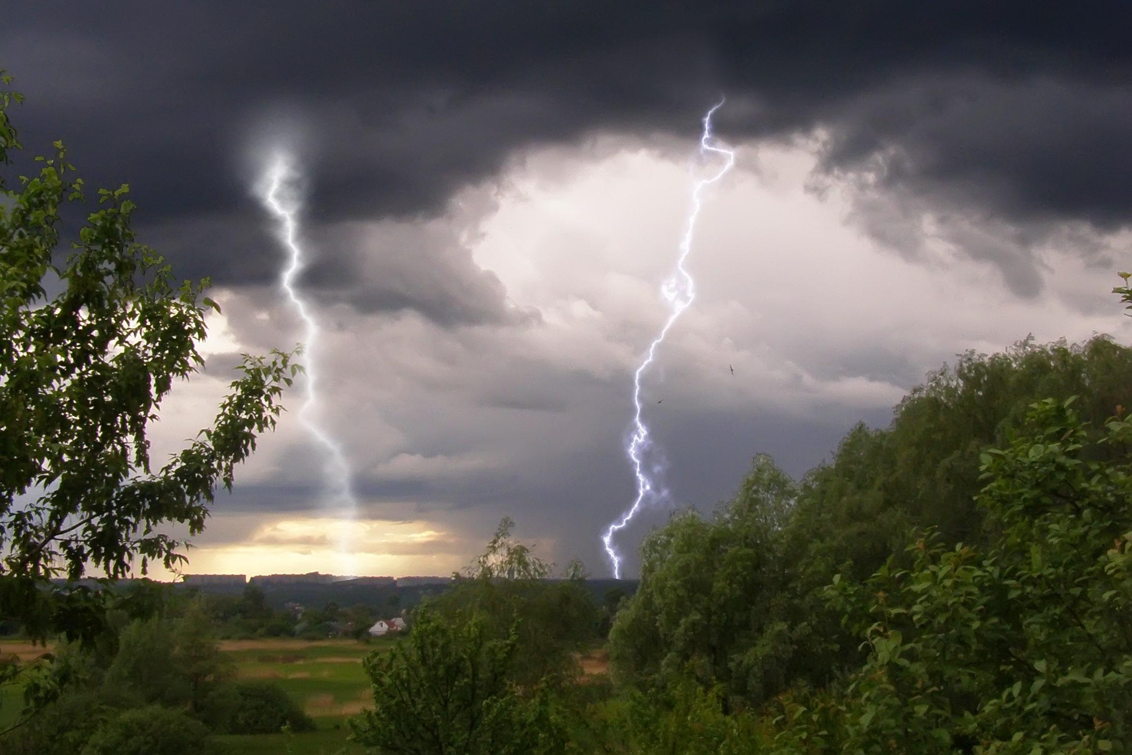 МЧС предупреждает: ливень и гроза надвигаются на Тверскую область