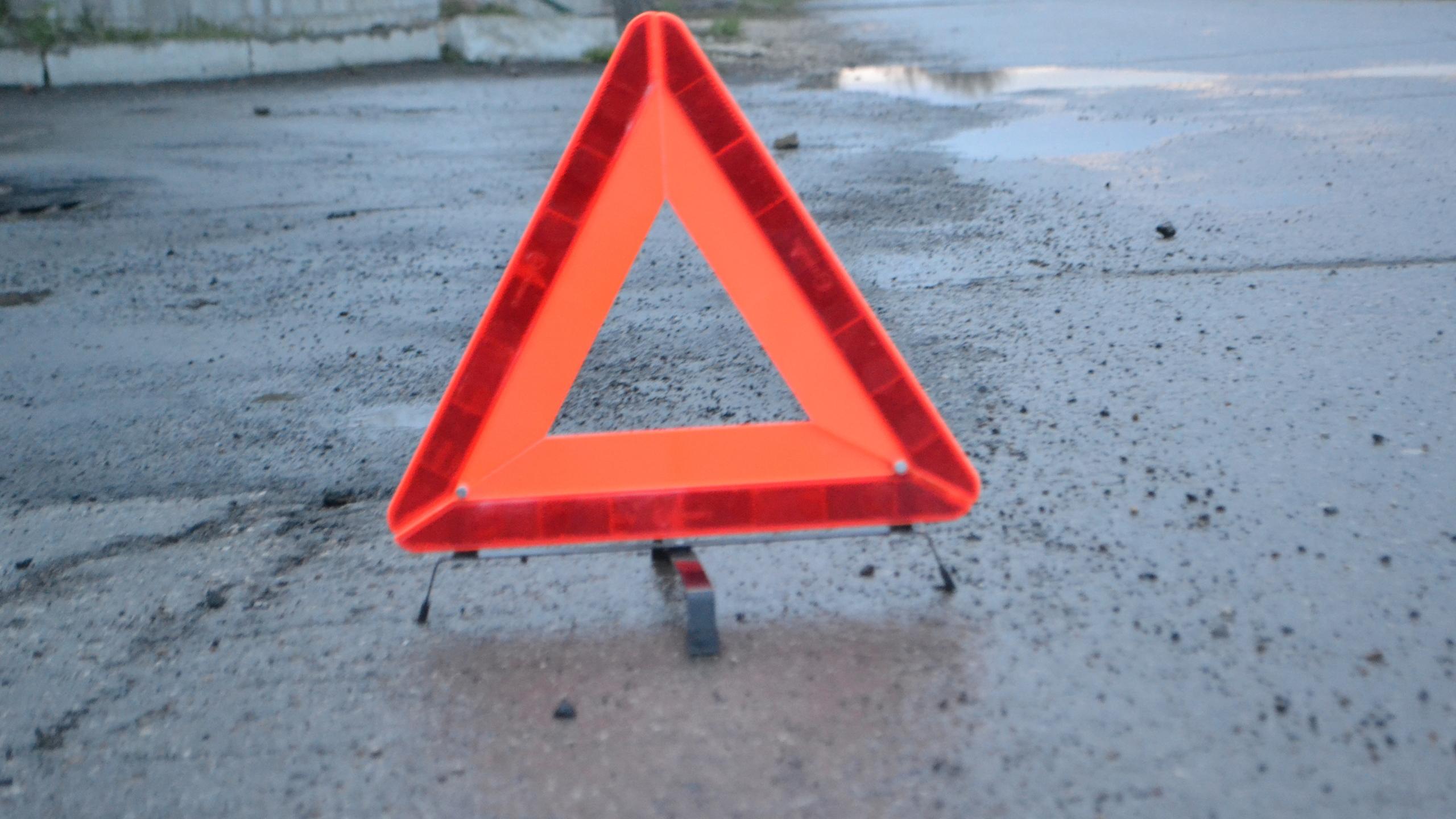 Две иномарки не поделили дорогу в Твери, есть пострадавшие