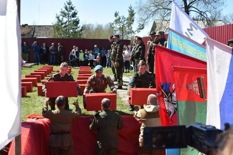 В Тверской области торжественно перезахоронили останки солдат