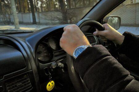 Пьяный автослесарь в Тверской области проверил работу мотора, угнав автомобиль