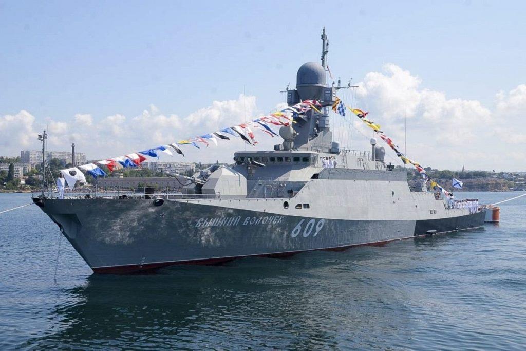 Жители Тверской области особенно поздравили экипаж малого ракетного корабля