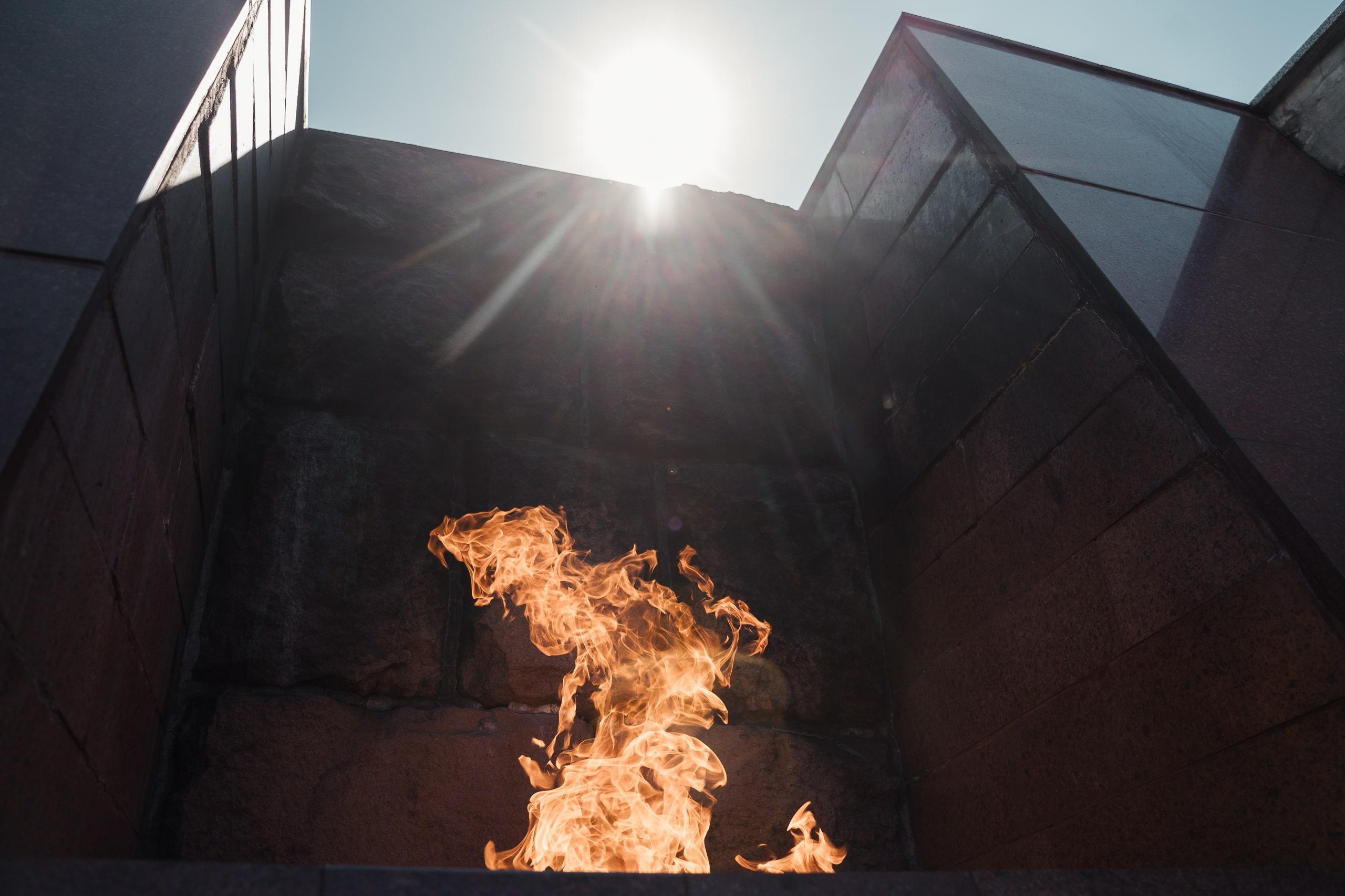 В Тверь привезли частицу пламени Вечного огня