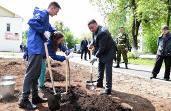 Сад памяти в честь погибших воинов заложили в Кимрах