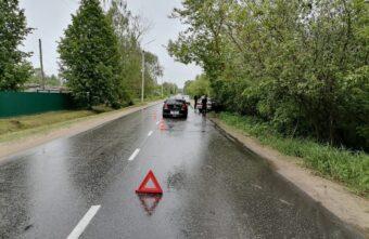 Девушка-водитель ВАЗа пострадала в столкновении с BMW в Тверской области