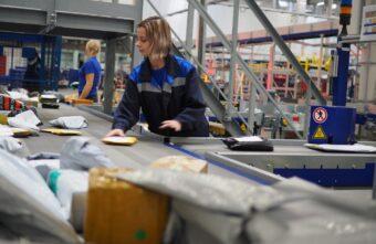 Продавцы AliExpress смогут сдавать заказы в отделениях Почты России