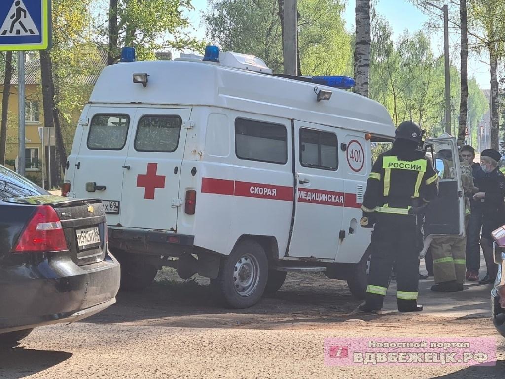 10-летний мальчик попал под колёса УАЗа на зебре в Тверской области