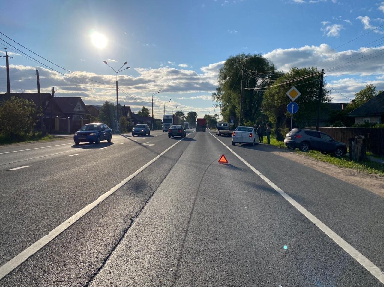 Молодой водитель без прав устроил ДТП с двумя пострадавшими в Тверской области