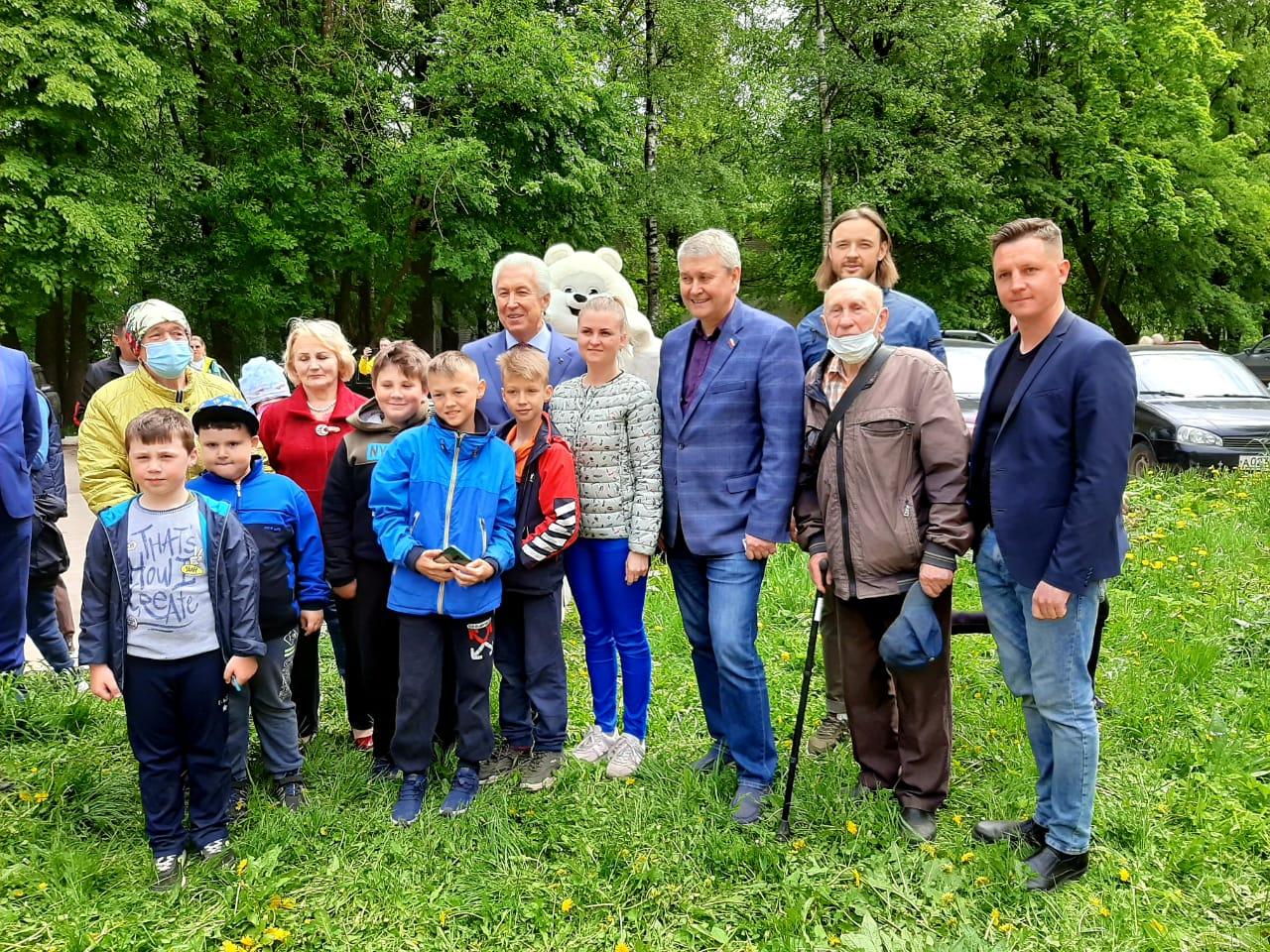 Владимир Васильев посетил поселок Сахарово в день праймериз «Единой России»
