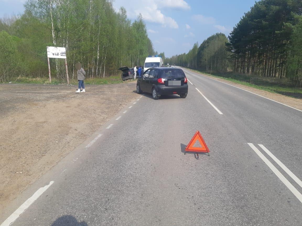 """Молодой водитель пострадал в столкновении двух """"Хёндаев"""" под Тверью"""
