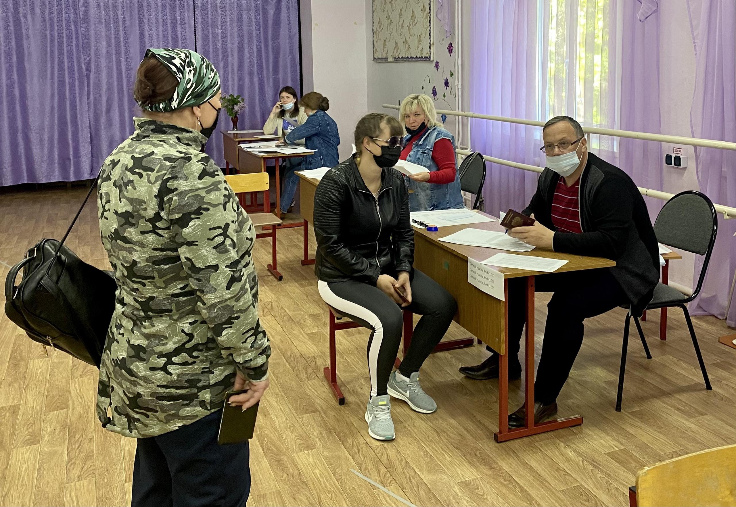 Праймериз «Единой России»: жители Тверской области голосуют активно