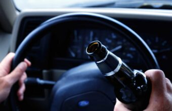 Жители Твери и Калининского района продолжают садиться пьяными за руль