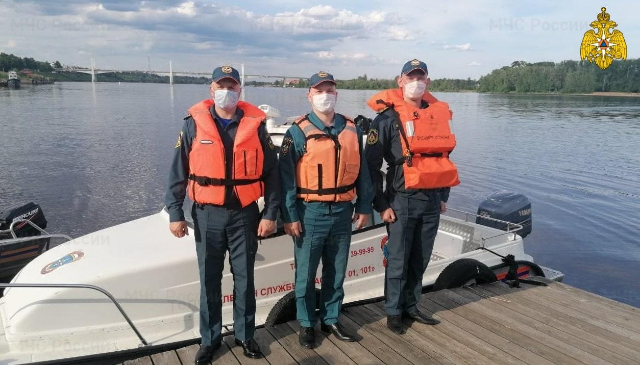 В Тверской области спасли тонущую женщину