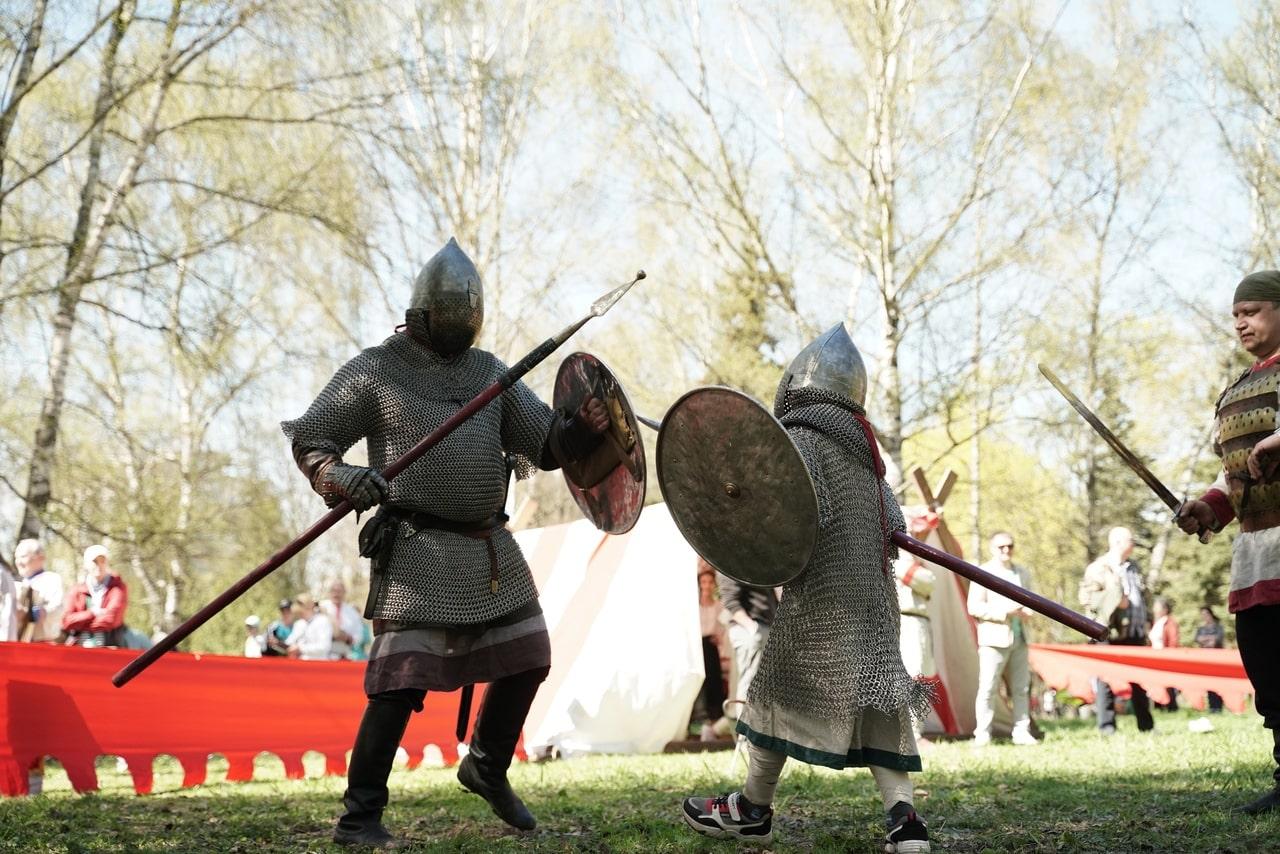 В Твери прошёл молодежный фестиваль исторического моделирования «Копьё святого Георгия»