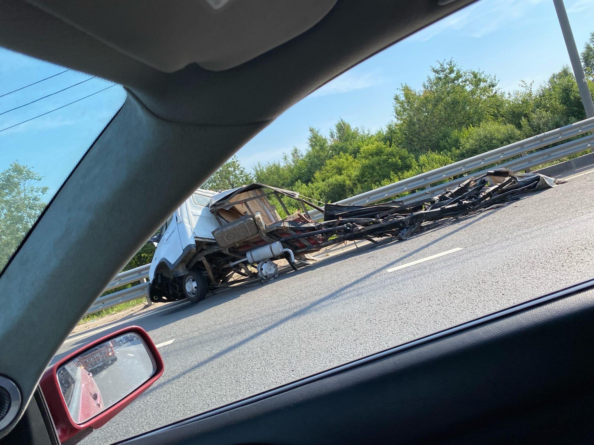 Две аварии на трассе в Твери образовали пробку: видео