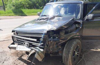 Перепутала педали: в Тверской области автомобиль врезался автопоезд