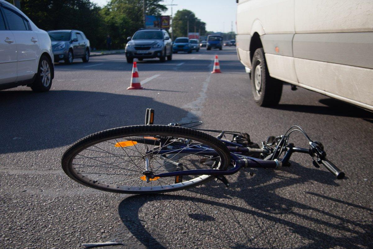 Под Тверью иномарка сбила 8-летнего мальчика на велосипеде