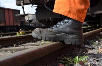 Житель Тверской области украл 8-метровый железнодорожный рельс