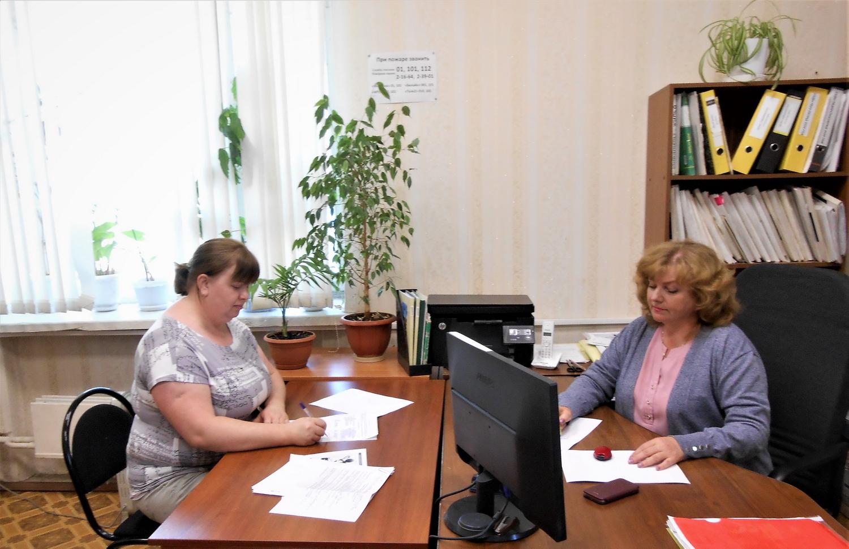 Многодетная мама из Калязина подписала первый в 2021 году соцконтракт в Тверской области