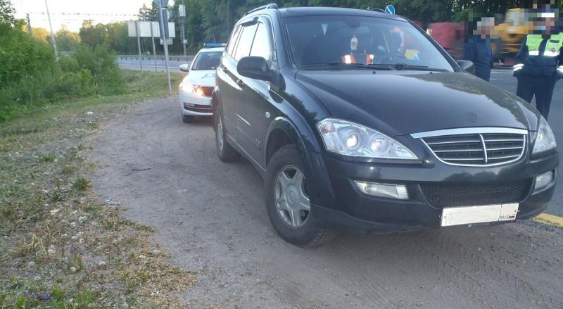 В Тверской области уголовник не устоял перед внедорожником москвича