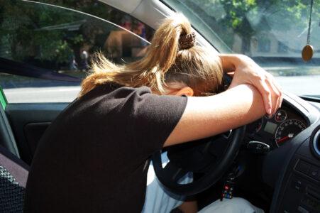 За несколько минут угонщица оставила без машины жителя Тверской области