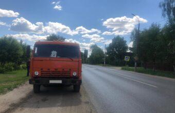 12-летняя девочка попала под колёса КамАЗа в Твери