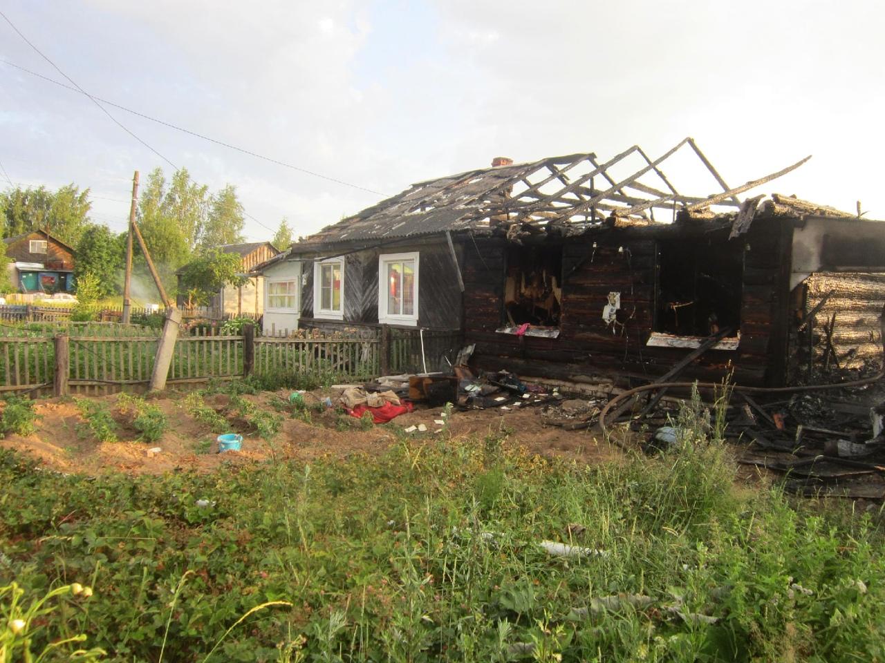 В сгоревшем доме в Тверской области нашли тело пожилой женщины