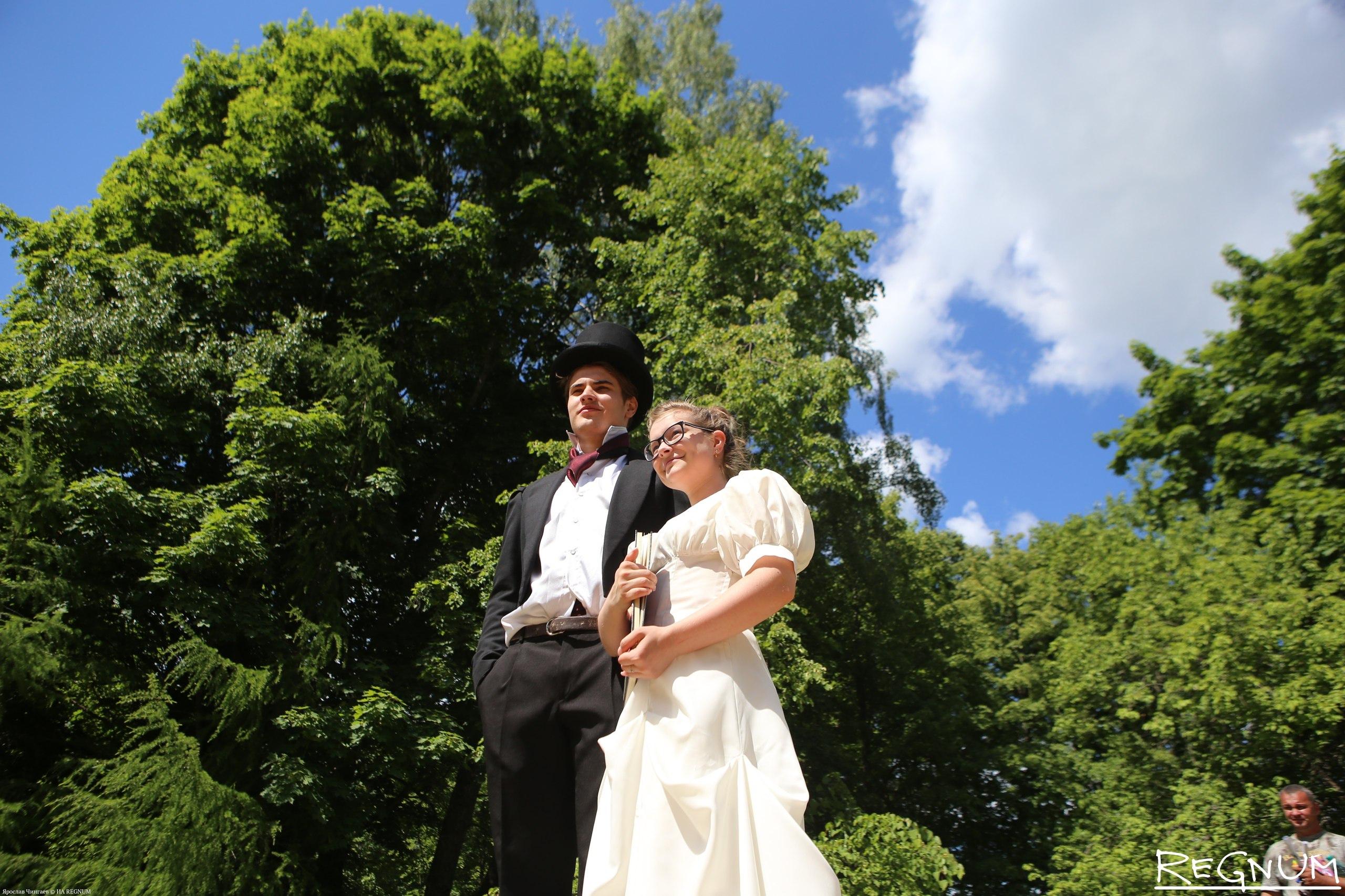 Фраки и платья в пол: сегодня в Тверской области будет бал