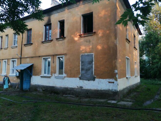 Во время ночного пожара в Тверской области погиб мужчина