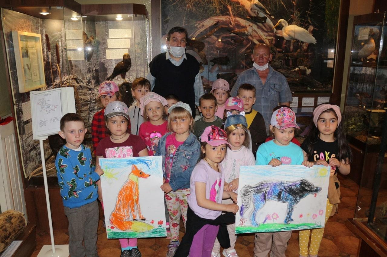 В Андреапольском музее дети нарисовали таинственных зверей