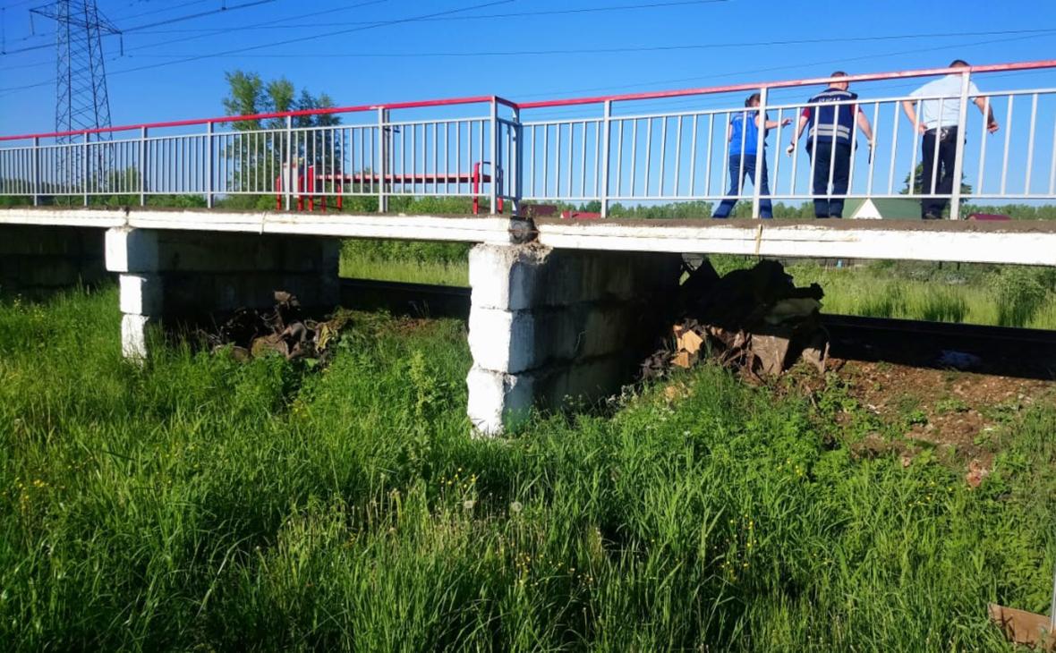 Опубликовано видео ДТП, где машина из Тверской области попала под поезд