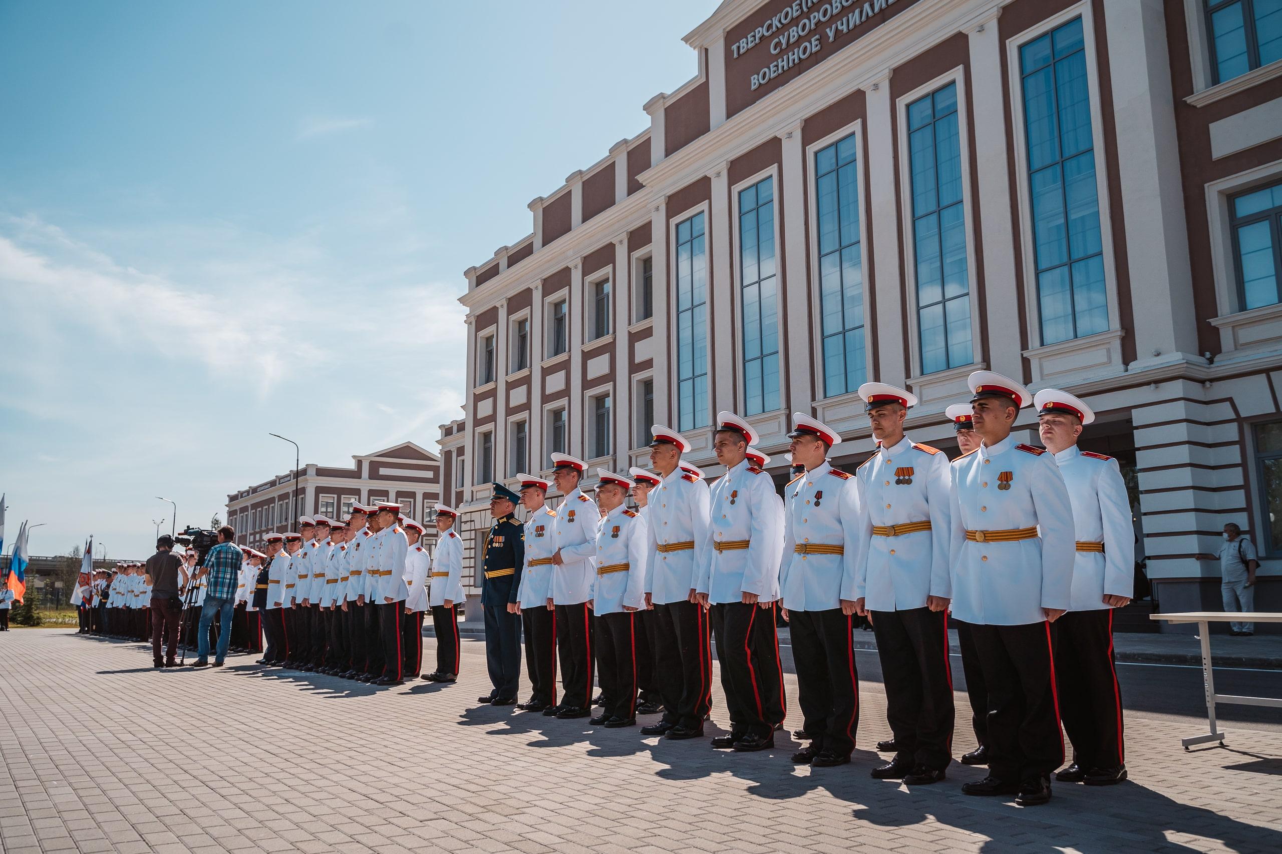 В Твери состоялся торжественный ритуал выпуска суворовцев