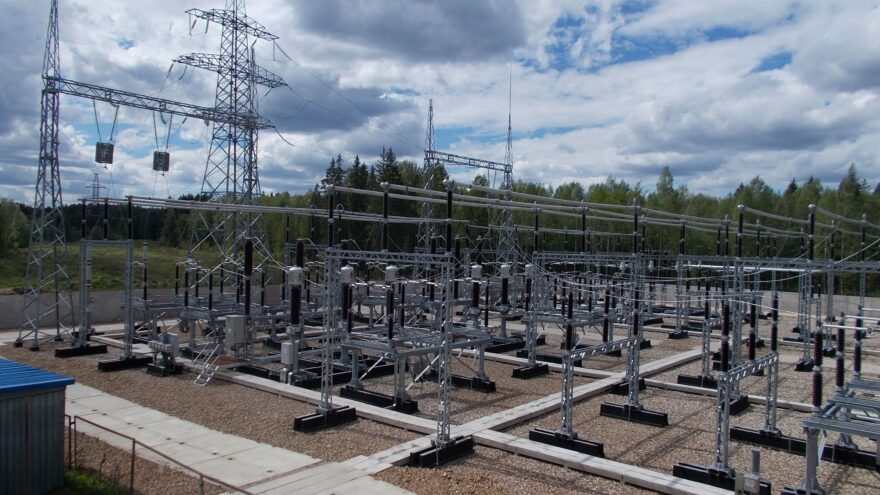 Одна из ключевых питающих электроподстанций введена в эксплуатацию в Тверской области после модернизации