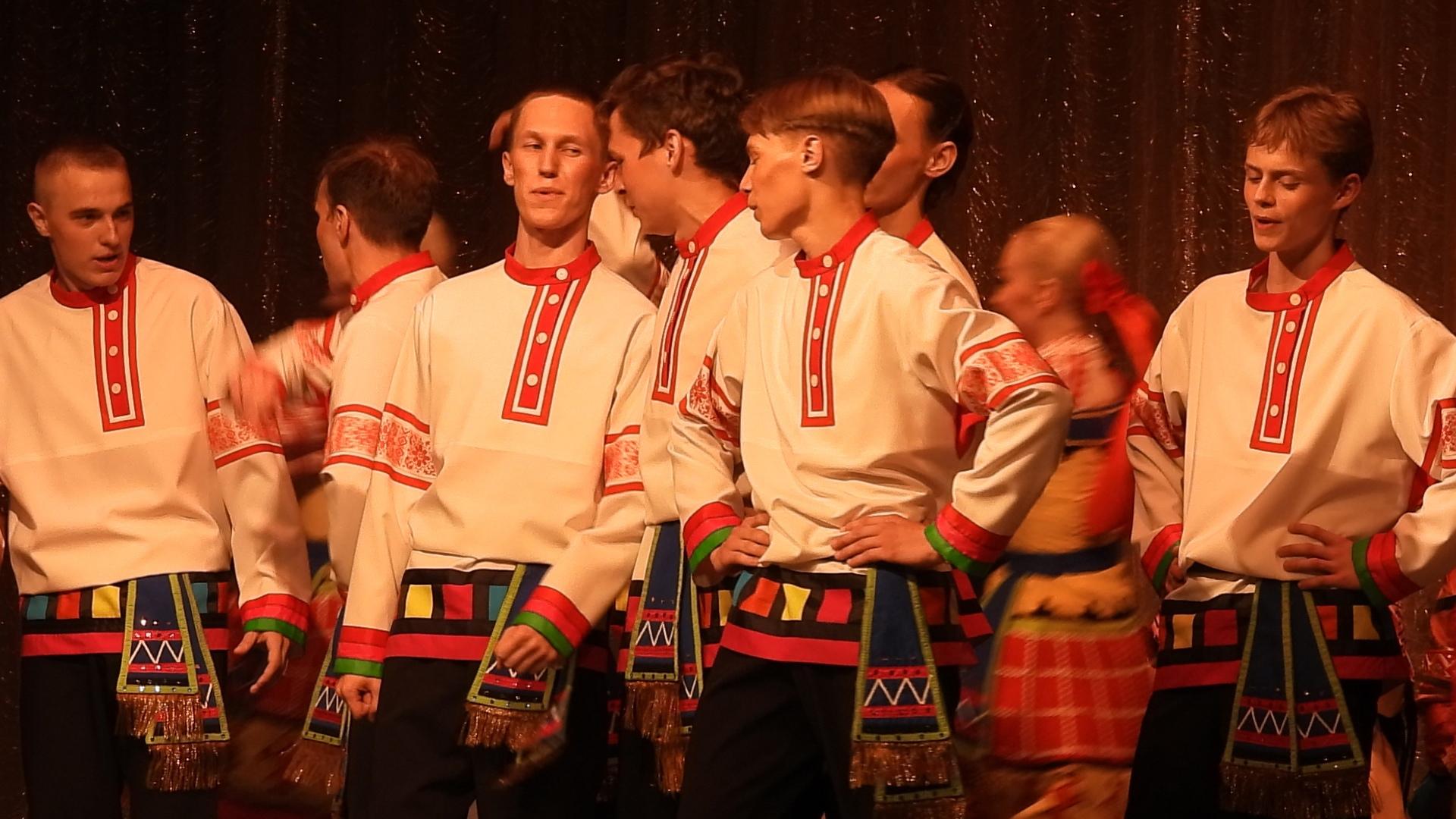 Лучшие народные коллективы ЦФО собрались в Калязине