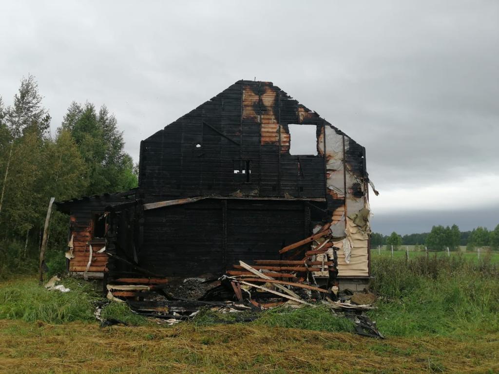 Из-за плохой проводки в Тверской области выгорел жилой дом