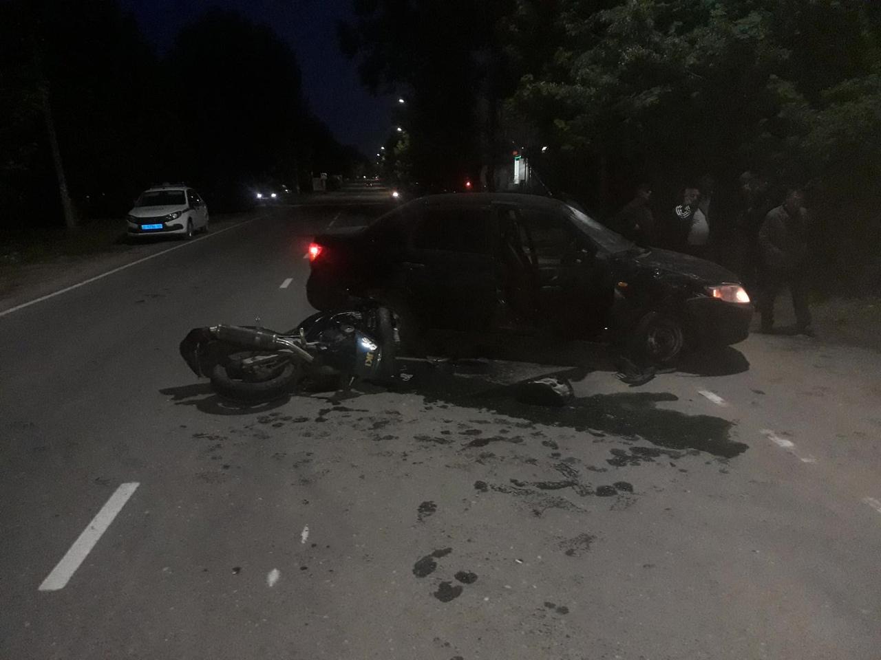 В Тверской области сбили 20-летнего мотоциклиста, он серьезно пострадал