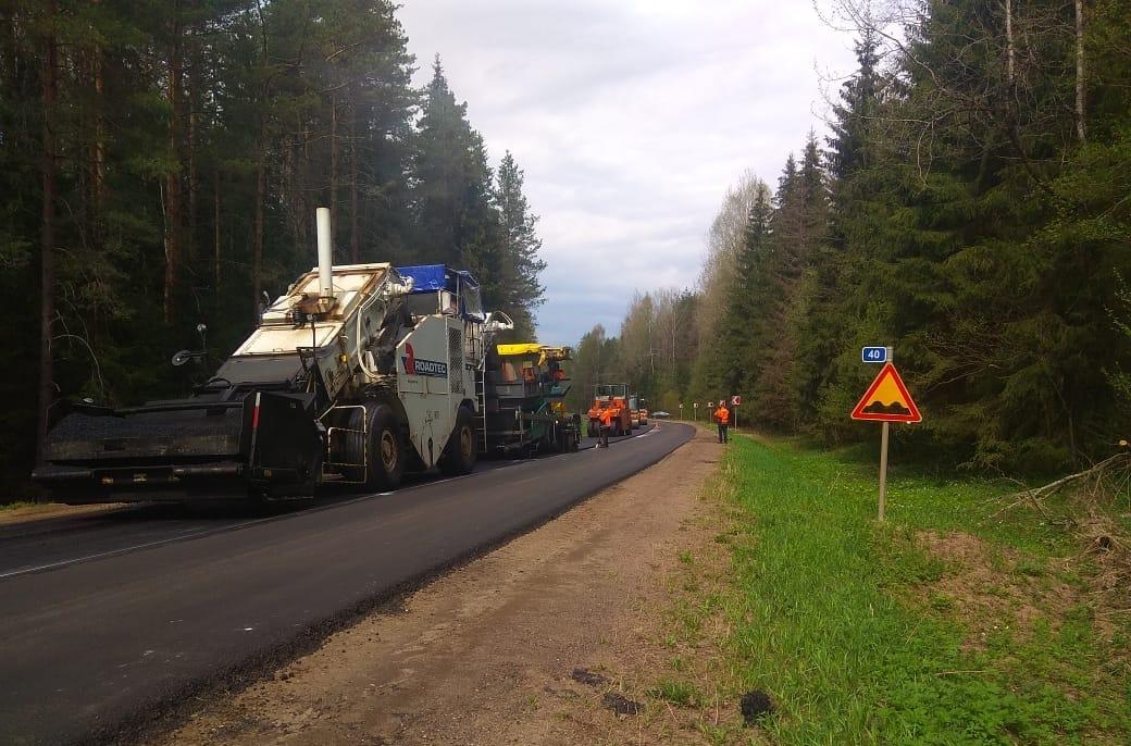В Тверской области ремонтируют один из ключевых туристических маршрутов к Селигеру