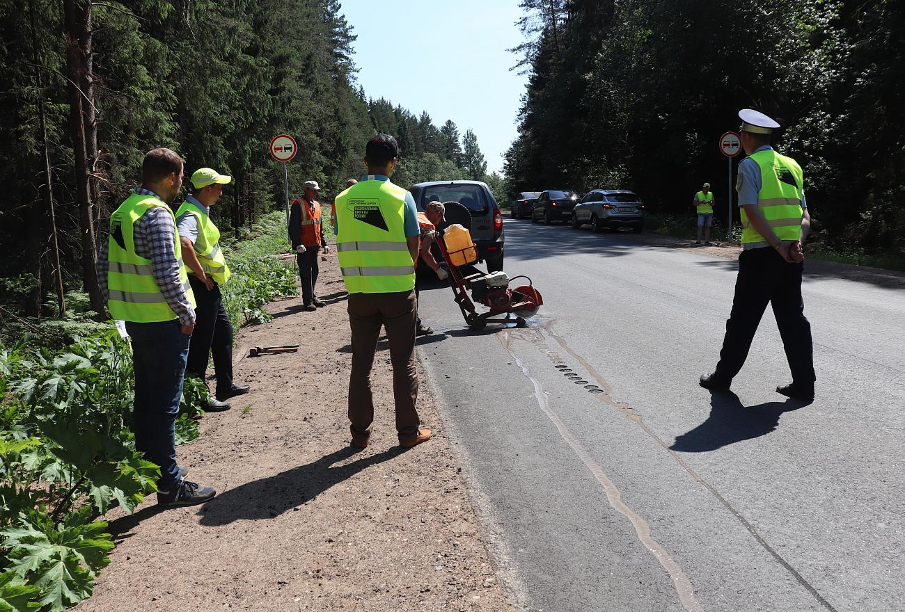 В Тверской области проверили качество ремонта дороги на Пено и Андреаполь