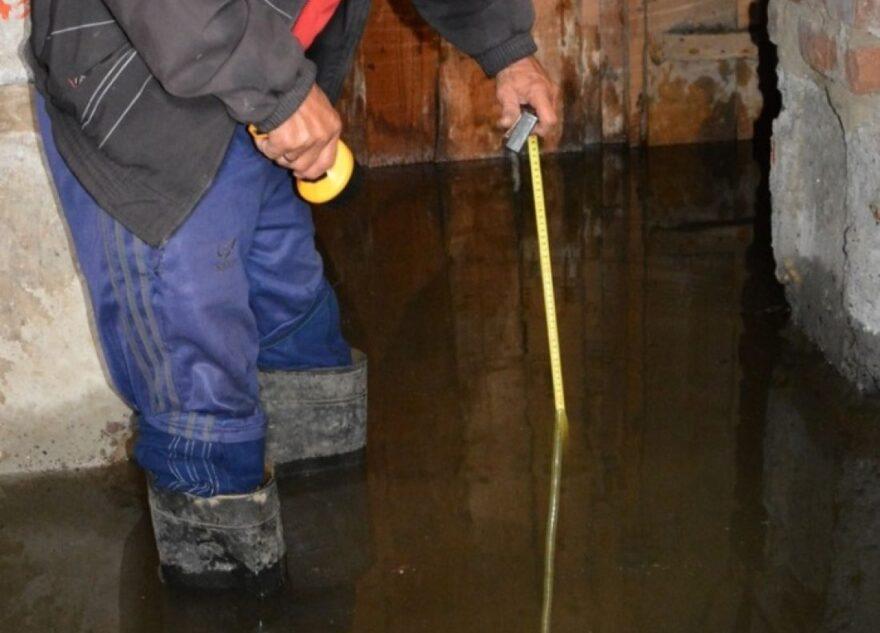 Жильцов многострадального дома в Тверской области спасли от потопа и разрушения
