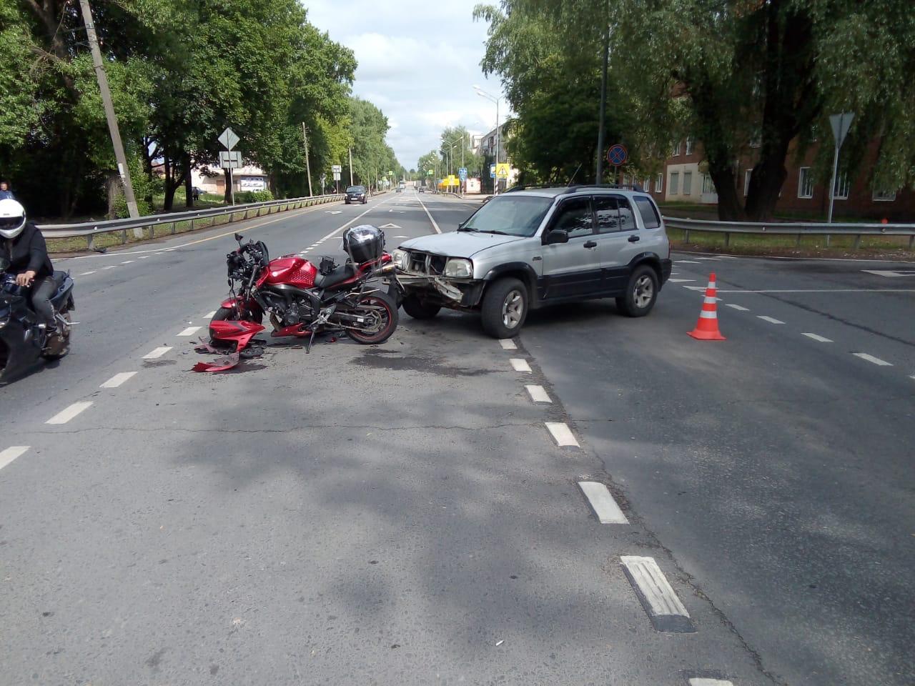 На трассе в Тверской области сбили мотоциклиста