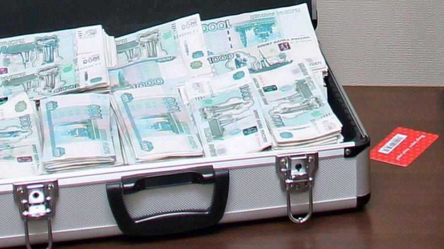 3 миллиона рублей заплатил житель Тверской области за коммерческий подкуп