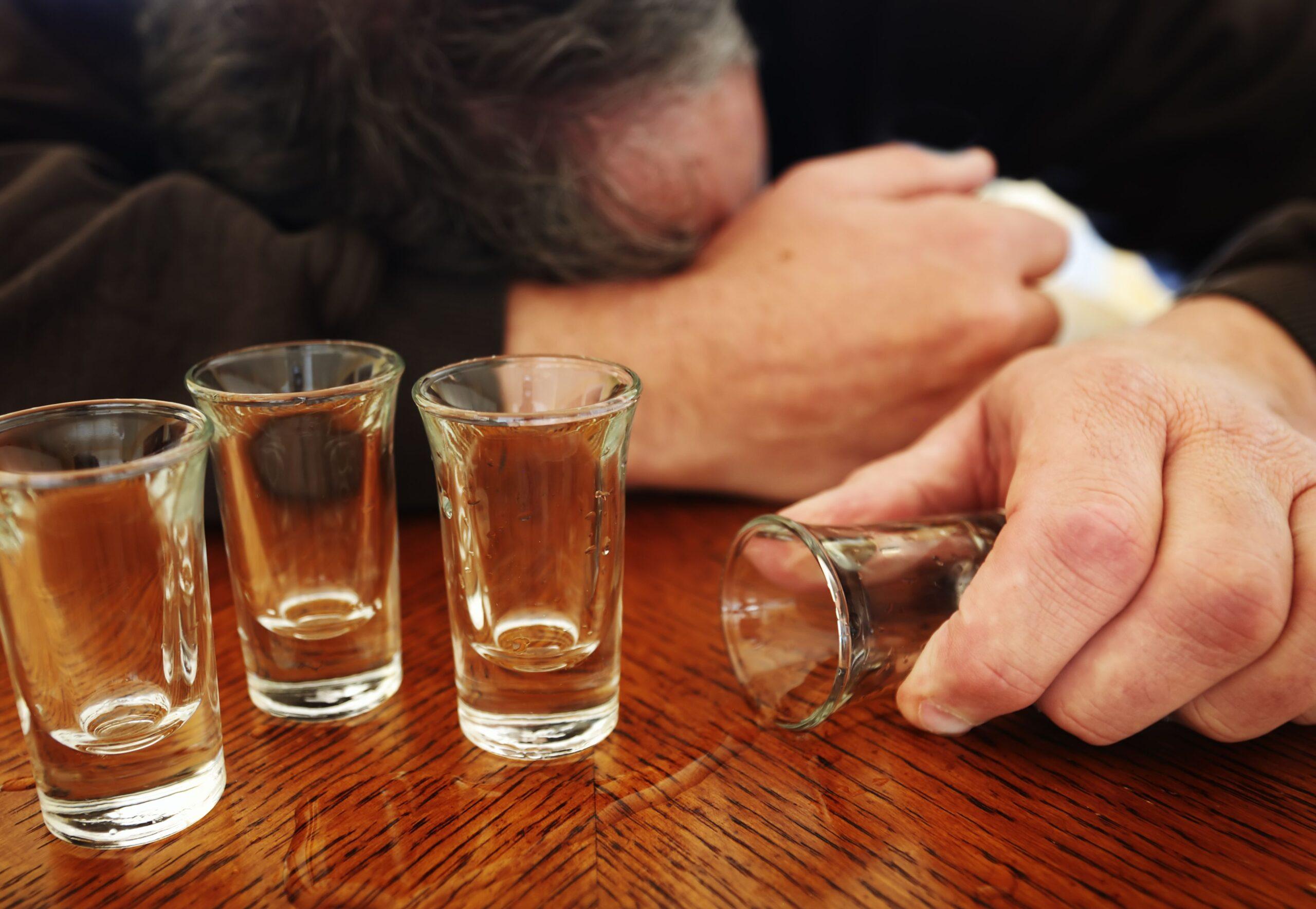 Жителя Тверской области, избившего собутыльника до смерти, будут судить