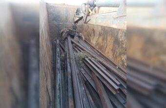 Мужчина разобрал под Тверью железную дорогу на металл
