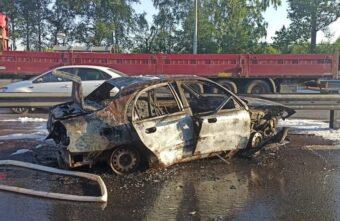 Пьяный и без прав: появились подробности ДТП с загоревшейся машиной под Тверью