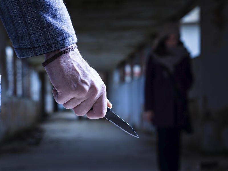 В Твери сосед спас женщину, которую пришёл убивать её муж
