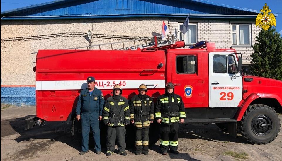 Пожарные спасли ребёнка и взрослого в Тверской области