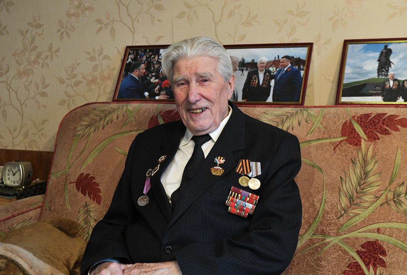Сегодня отмечает юбилей фронтовик из Тверской области Борис Воробьёв