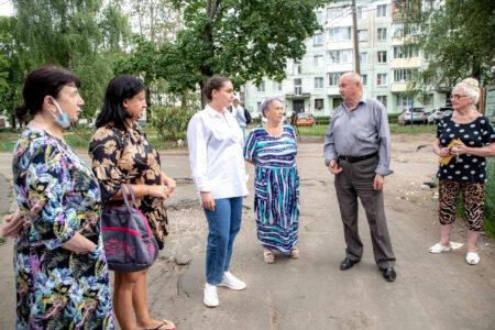 Юлия Саранова помогла жителям Конакова ликвидировать несанкционированные свалки